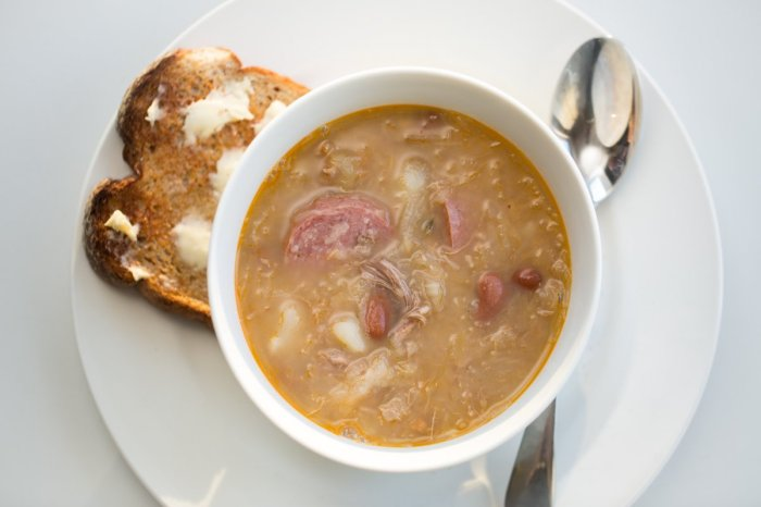 jota-bean-sauerkraut-pork-soup-trieste