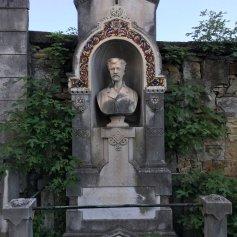 beautiful-monument